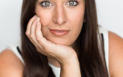 Headshot Sessions: In Studio with Liliana Barzola